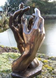 30072-figurine-statue-les-mains-de-rodin-la-cathedrale-style-bronze